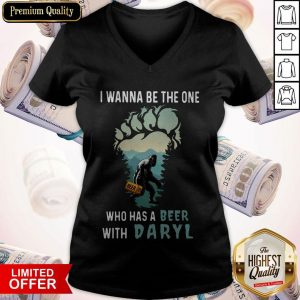 Bigfoot I Wanna Be The One Who Has A Beer With Daryl V-neck