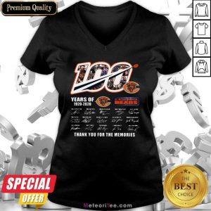 100 Years Of 1920-2020 Chicago Bears Thank For The Memories Signatures V-neck - Design By Meteoritee.com