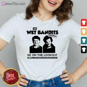 The Wet Bandits Escaped Be On The Lookout V-neck - Design By Meteoritee.com